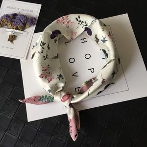 Fashion from China-Silk Scarf with Wow flower